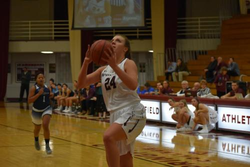womensbasketball-homeopener-Jacques