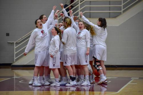 womensbasketball-mitnewcacchampionship-team