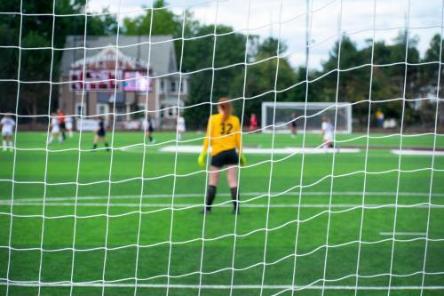 womenssoccer-endicott-goalie